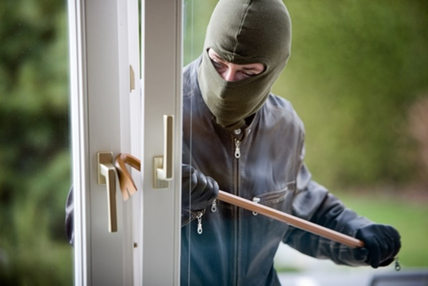 There-are-several-ways-homeowners-can-protect-against-burglary_1137_40125388_0_14017940_500