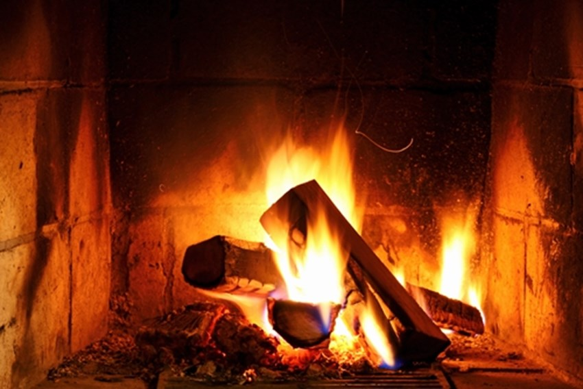 Make-sure-the-fire-stays-in-the-fireplace-this-holiday_1137_40019727_0_14098228_500