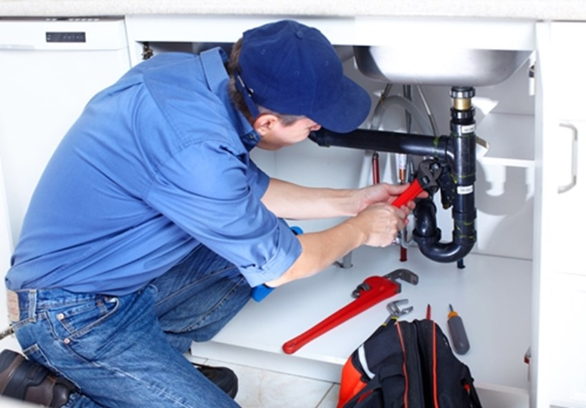 While-its-necessary-to-call-a-plumber-sometimes-there-are-a-many-issues-you-can-fix-yourself-_1137_40018463_0_14082266_500