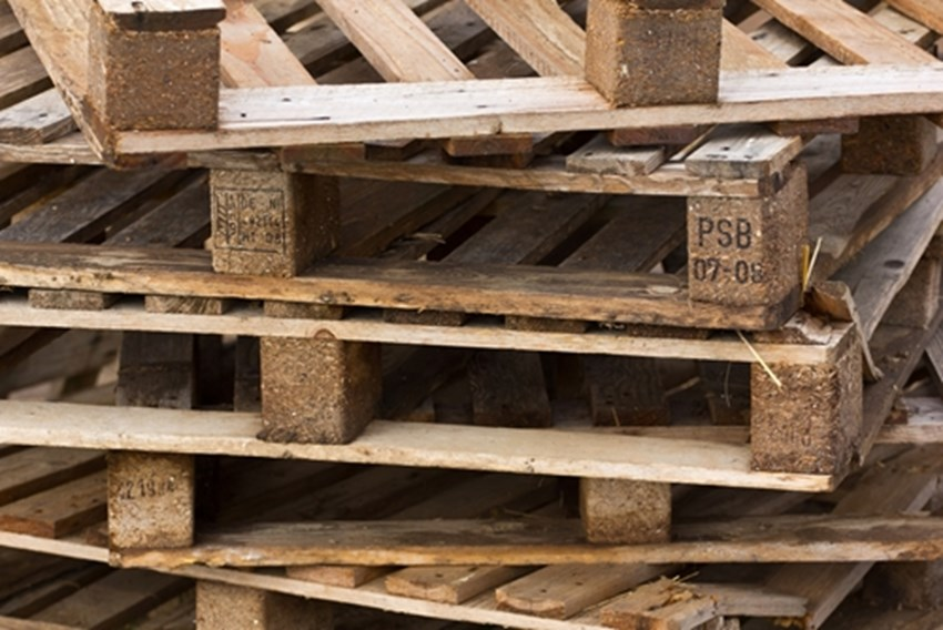 Some-homeowners-turn-to-shipping-pallets-as-a-more-affordable-source-of-reclaimed-wood-_1137_40010292_0_14106918_500