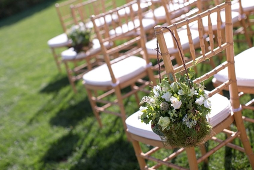Know-what-to-consider-when-planning-a-wedding-in-your-backyard-_1137_40054382_0_14114687_500