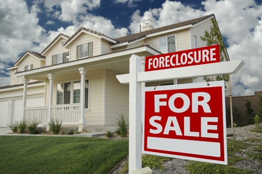 Foreclosures-increased-in-the-first-quarter-but-fell-by-20-percent-in-February-new-reports-show_1137_414607_0_14049018_500