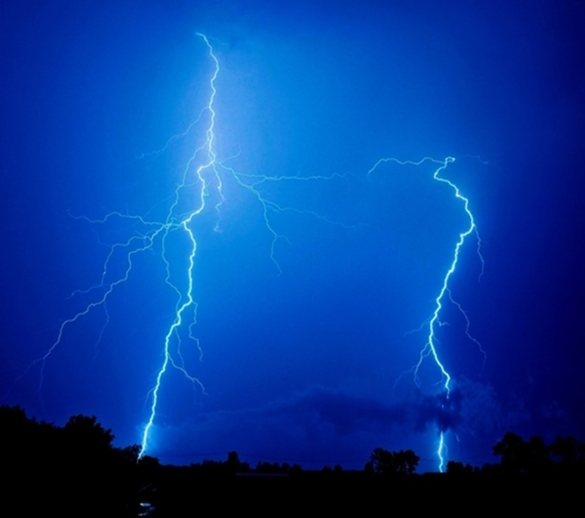 Lightning-storms-can-bring-a-lot-of-damage-to-homeowners-both-structural-and-electrical_1137_422221_0_14055482_500
