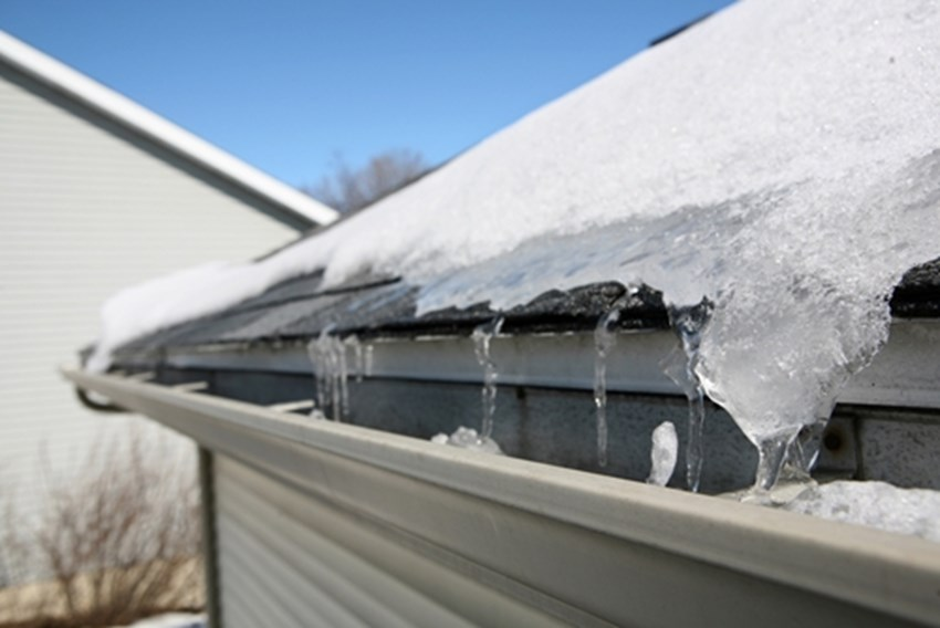 If-you-know-a-blizzard-is-coming-ensure-your-roof-can-handle-large-amounts-of-heavy-snow-_1137_668565_0_14097252_500