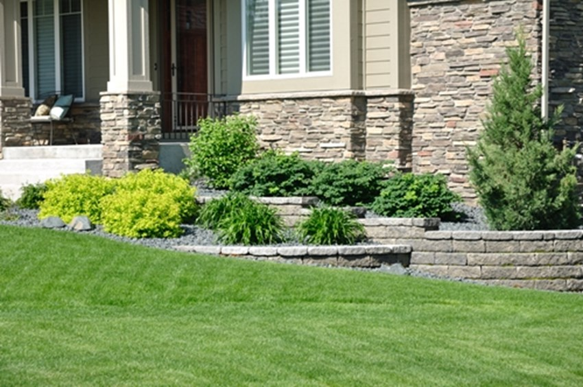 Beautiful-landscaping-and-curb-appeal-can-help-you-sell-your-home-quickly-_1137_40044184_0_14089718_500
