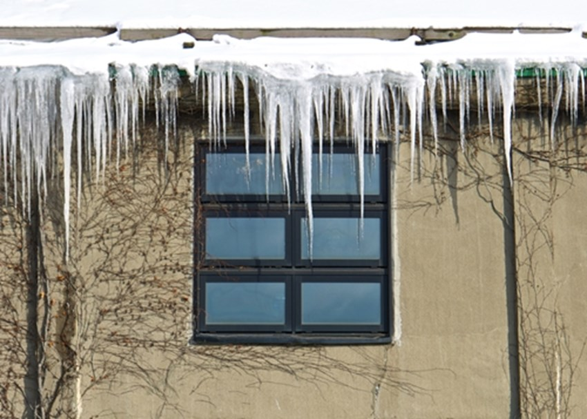 Clogged-gutters-can-lead-to-ice-dams-during-the-winter-_1137_663646_0_14096751_500
