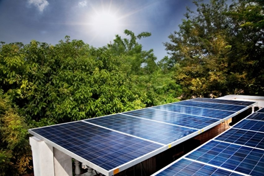 Solar-panels-can-help-lower-your-monthly-energy-bill-while-helping-the-environment_1137_40088166_0_14099067_500
